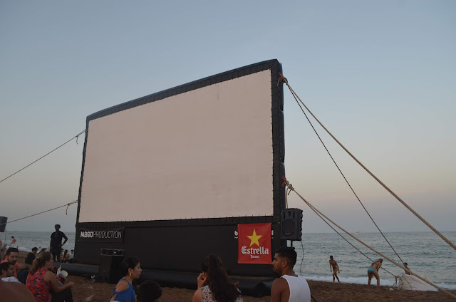 Cinema ao ar Livre Praia e Castelo MontJuic em Barcelona