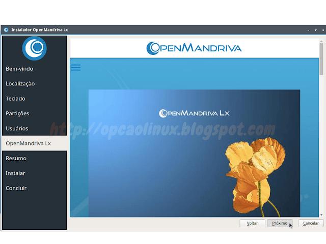 Página inicial do projeto OpenMandriva sendo mostrada no instalador