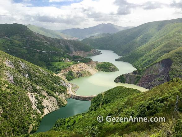 Mesudiye Topçam barajında yeşillikler içinde manzara, Ordu