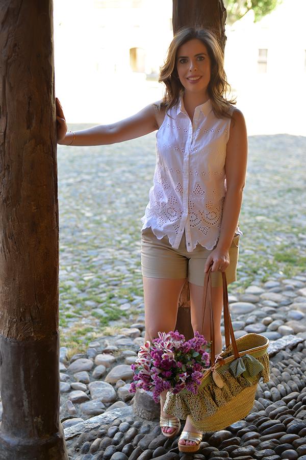 flowers straw basket ugg australia sandals