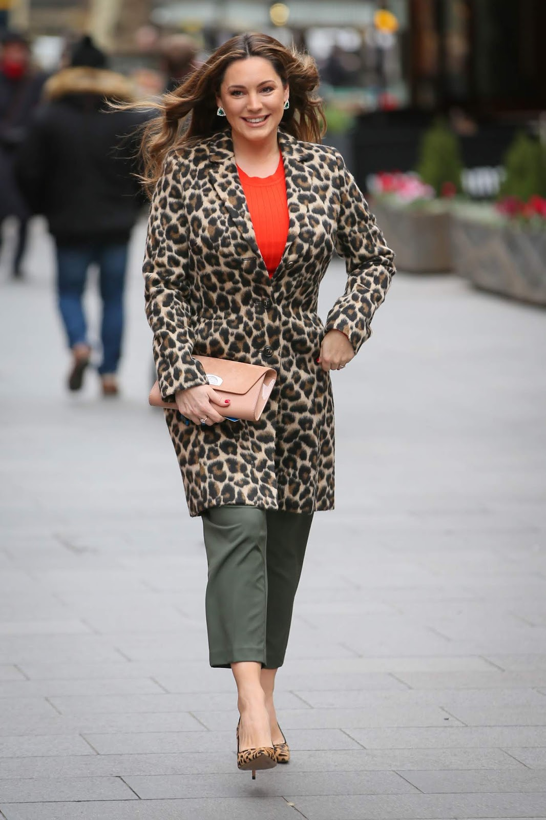 Kelly Brook - Arriving at Global show to present the Heart Radio show in London - 02/11/2019