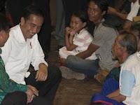 Ikut Merasakan, Jokowi Hadir Ditengah Pengungsian Gunung Agung