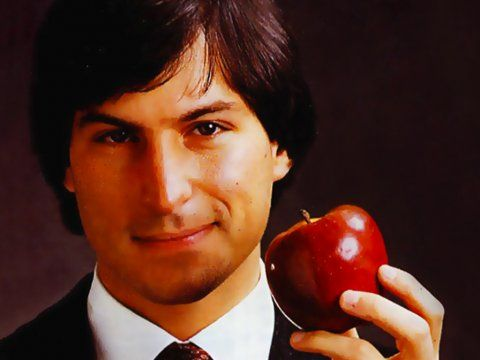 Steve Jobs वर्तमान जगत में, दुनियां के सबसे प्रभावशाली व्यक्तिओं का जब नाम लिया जाता है तो उसमें स्टीव जॉब्स  का नाम सबसे पहले आता है। Apple कम्पनी के सह -संस्थापक ,इस American को ,दुनिया सिर्फ एक सफल व्यवसायी आविष्कारक ,उत्पादनकर्ता के रूप मैं ही नहीं ,बल्कि कम से कम समय मैं ज्यादा से ज्यादा तरक्की करने वाले इंसान की हैसियत से भी जानती है। 10 वर्षों के अंदर अर्श से फर्श पर पहुँचने वाले इंसान के रूप मैं अकेला नाम Steve jobs का ही सामने आता है।  एप्पल कम्प्यूटर प्रोडक्ट्स को बुलंदियों पर पहुँचाने वाले Steve Jobs ,दुनिया की गिनी चुनी हस्तियों मैं सुमार हैं।