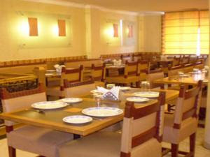 Status Club Kanpur | Review