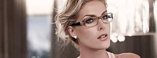 oculos está no plural