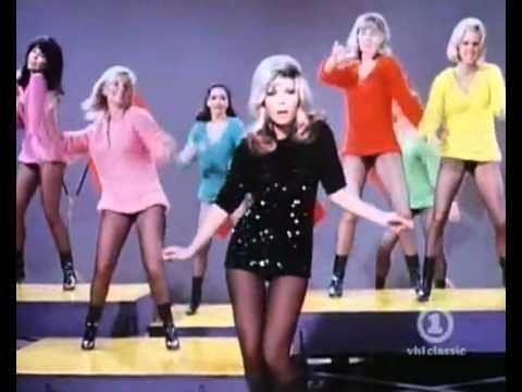 Un Cláisco: Nancy Sinatra - These Boots Are Made for Walkin'