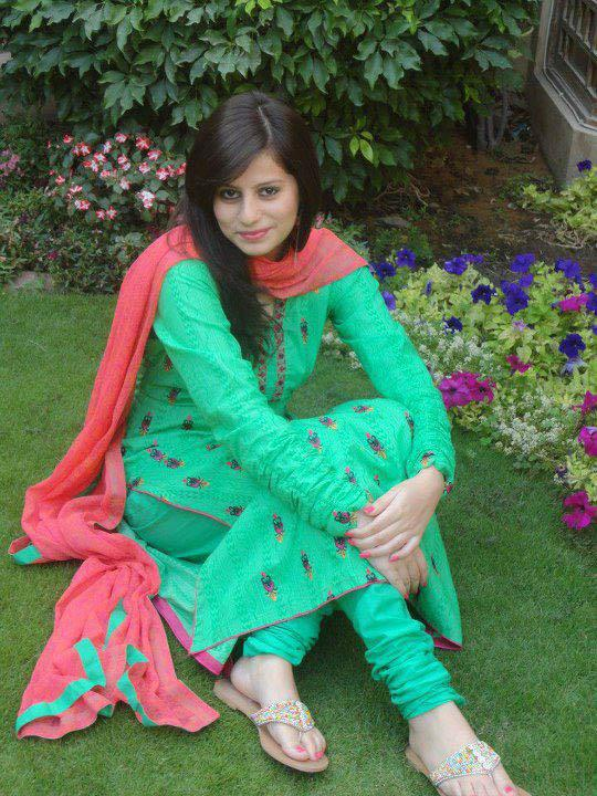 Afghan Girl Eyes Wallpaper Pakistani Desi Girls Pictures South Indian Actresses Pics