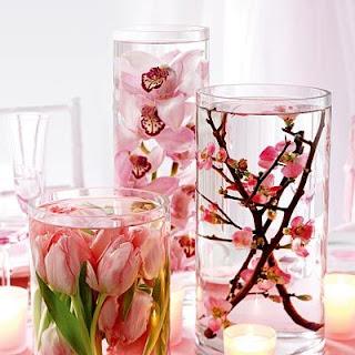 Διακοσμήστε με λουλούδια και κεριά