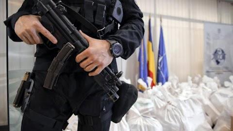 Szombat óta 152 kilogramm kábítószert gyűjtöttek össze a román hatóságok a tengerparton