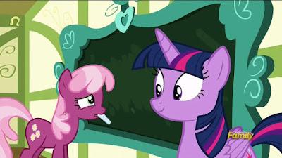 Cheerilee redrawing the blackboard