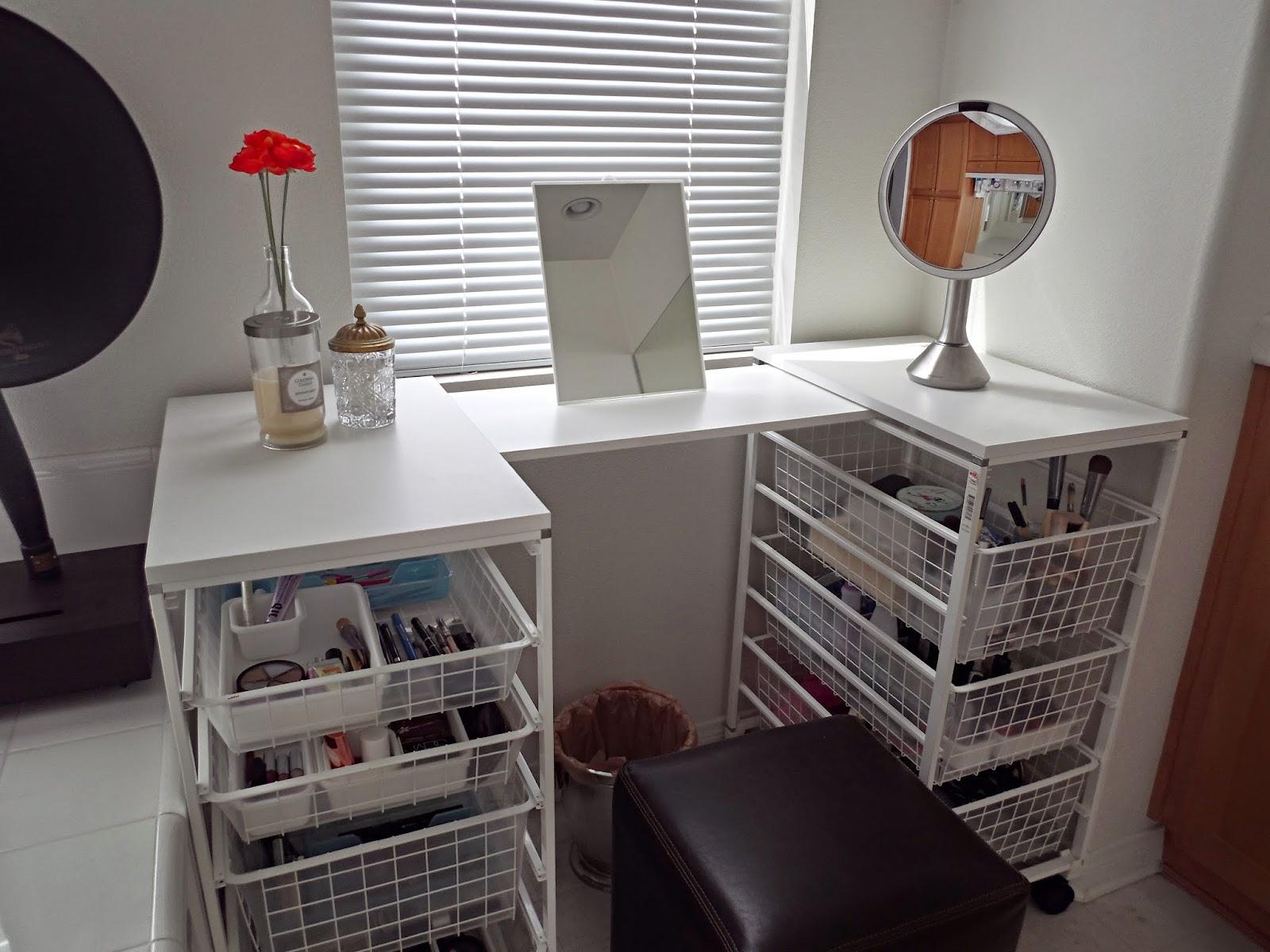 Carousel Six Simple Diy Vanity Table