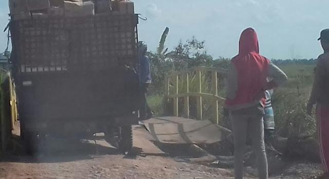 Jembatan Desa Lebung Jangkar Nyaris Putus