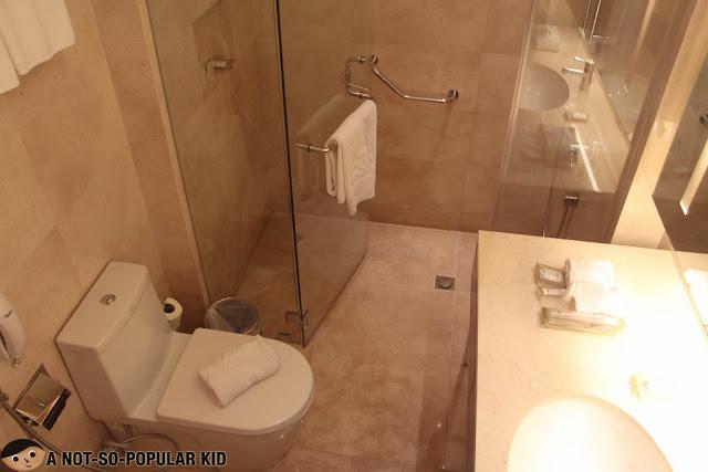 Bathroom Interior of Delxue Room, City Garden Grand Hotel