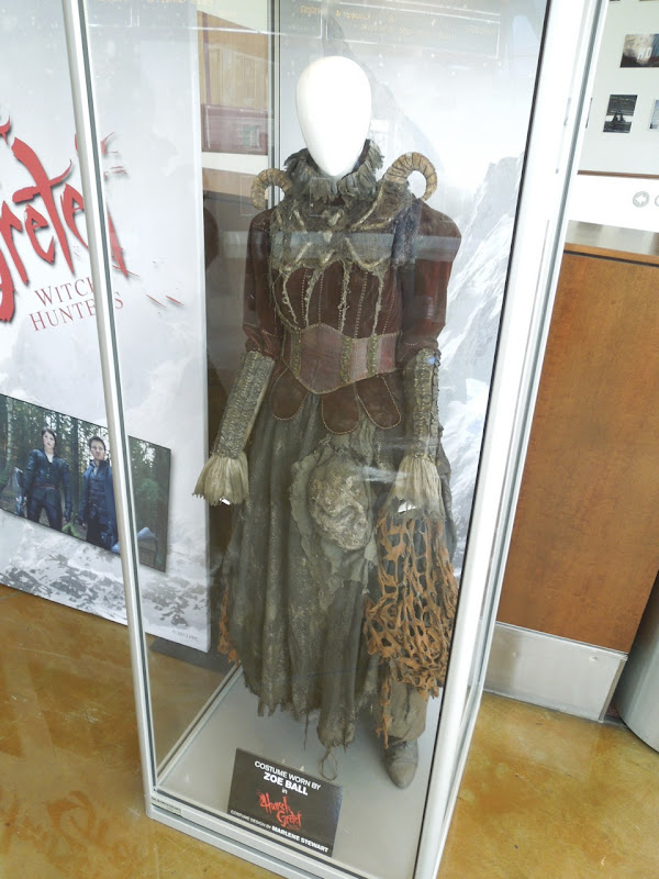 Zoe Bell witch costume Hansel Gretel Witch Hunters