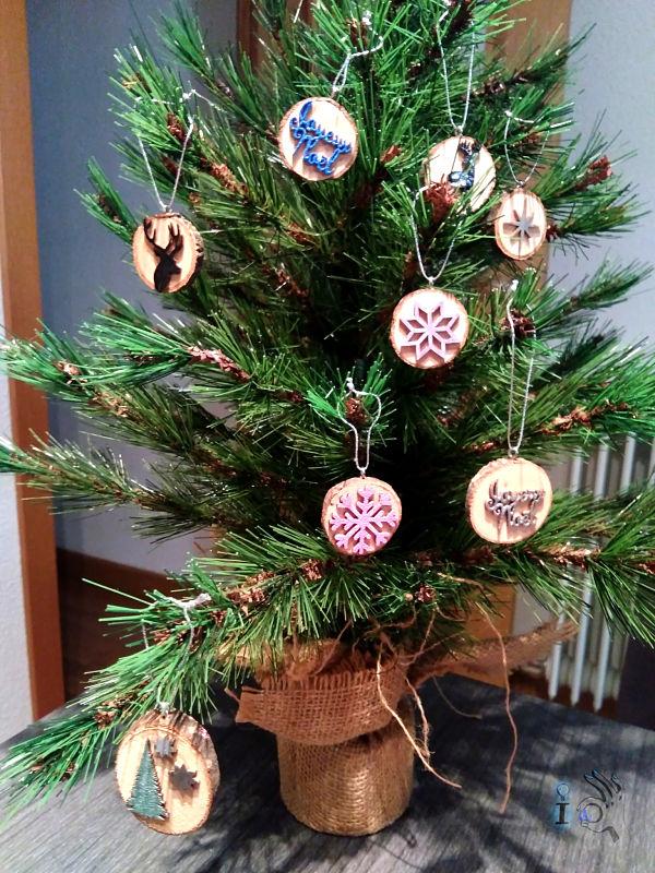 arbol-Navidad-adornos-madera-Ideadoamano-2
