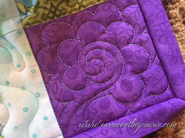 http://carrieontheprairie.blogspot.ca/2016/12/janes-silent-auction-quilt.html