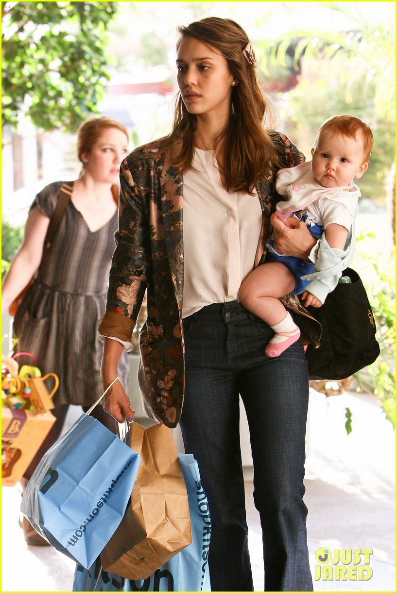 Steal Their Style: Jessica Alba's Kitson Kids Candids