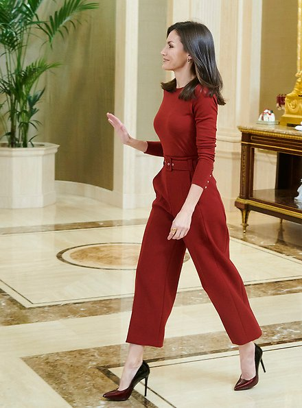 Queen Letizia wore Hugo Boss Trima cropped wide-leg trousers and Hugo Boss Frankie cuff-detail wool sweater. King Felipe and Queen Letizia