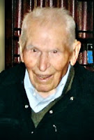 Ponticelli pictured in 2007, aged 109