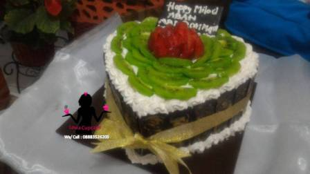 Cake Tart tutty fruity buah strawberry