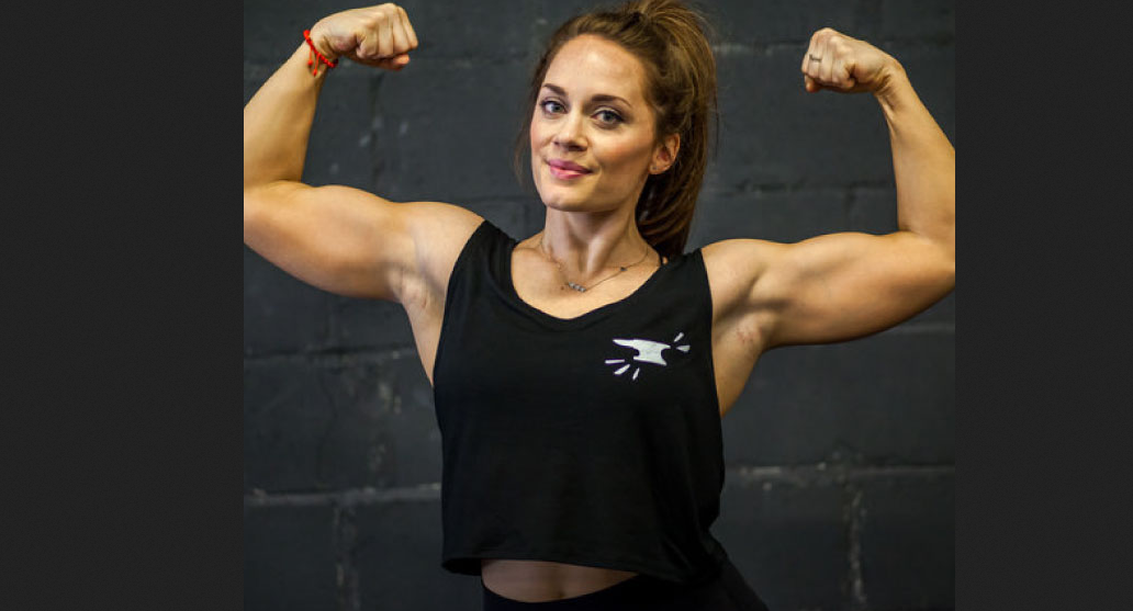 Laura Combes professional female bodybuilder, Becoming a Legend