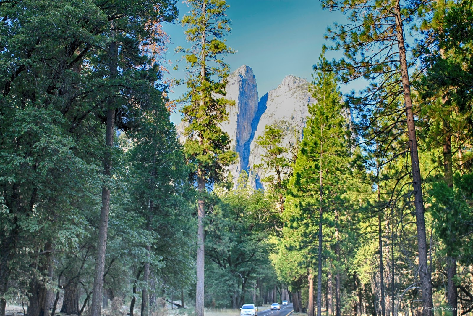Yosemite National Park valley geology field trip glacier granite Sierra Nevada California copyright RocDocTravel.com