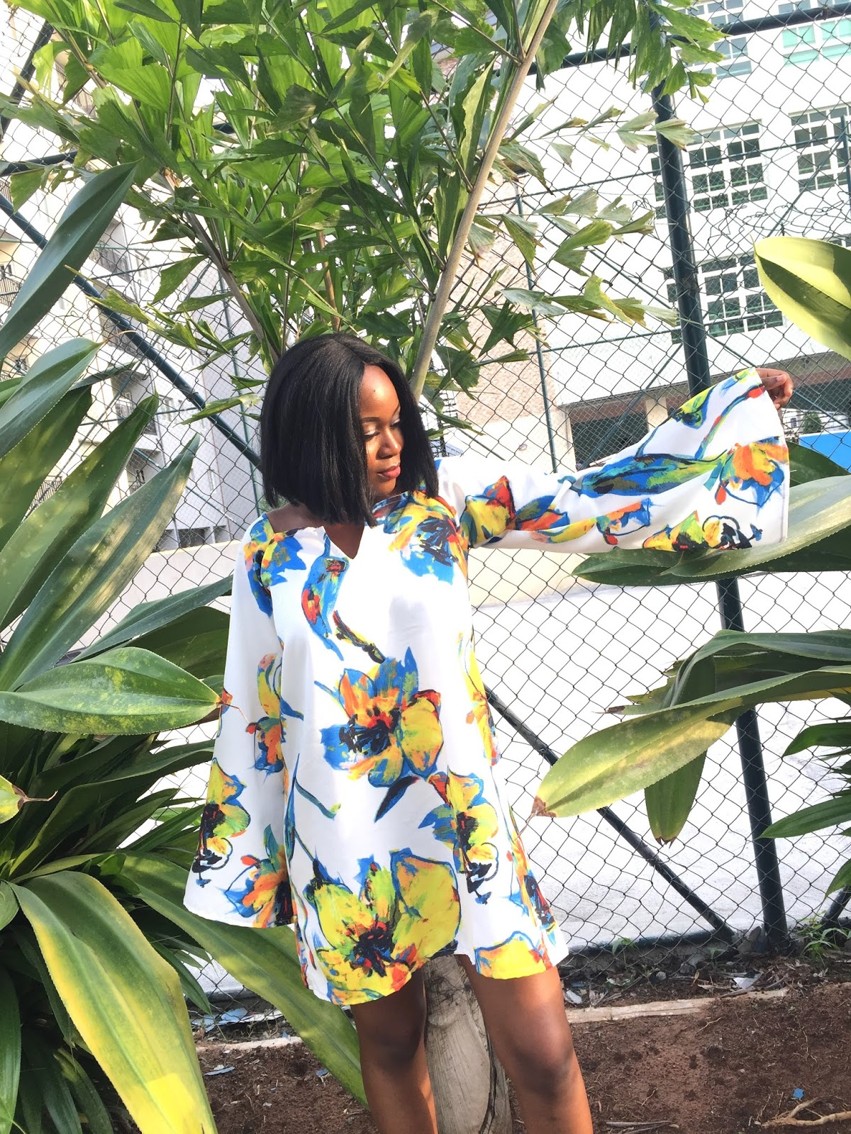 styling a floral shift dress this spring and summer season. How to style a shift dress for an event