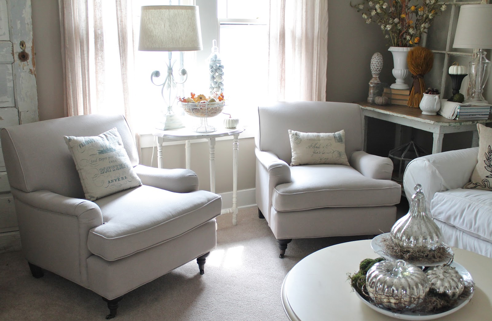 Living Room Arm Chair Cheap Center Tables For 12th And White New Chairs The
