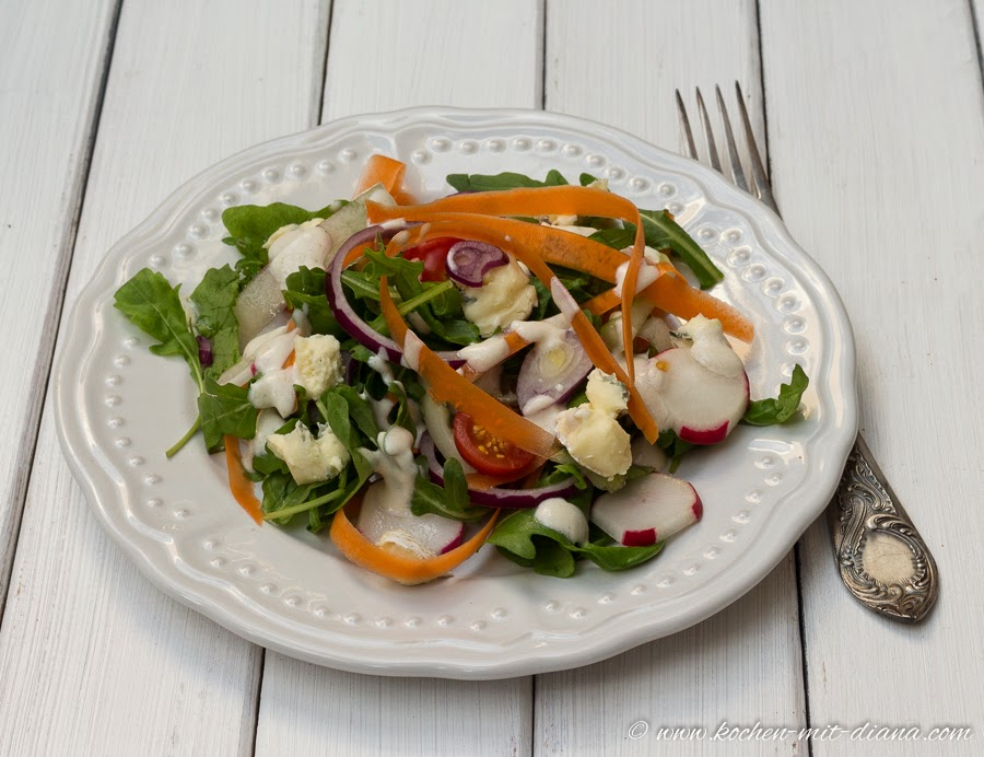 Salat mit Gorgonzola
