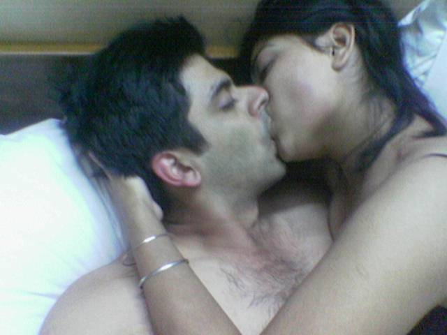 Indian naked kiss