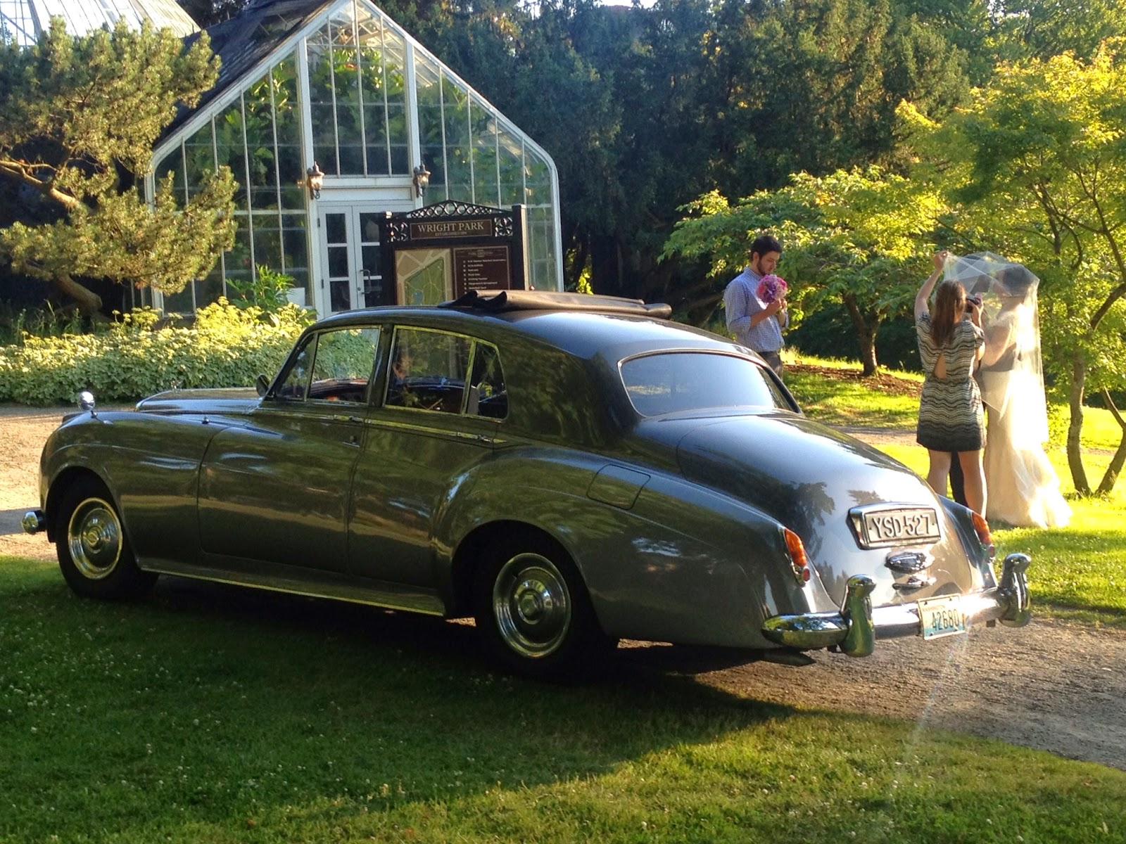 Seattle Top Class Limo: Classic Car Rental For Wedding