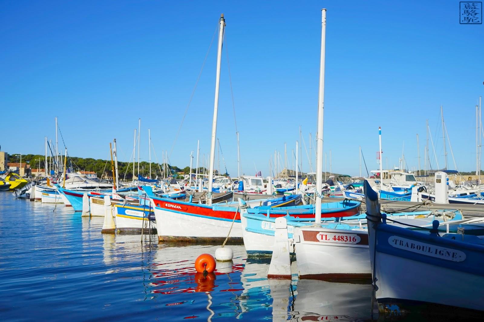 Le Chameau Bleu - Var - Port du Brusc