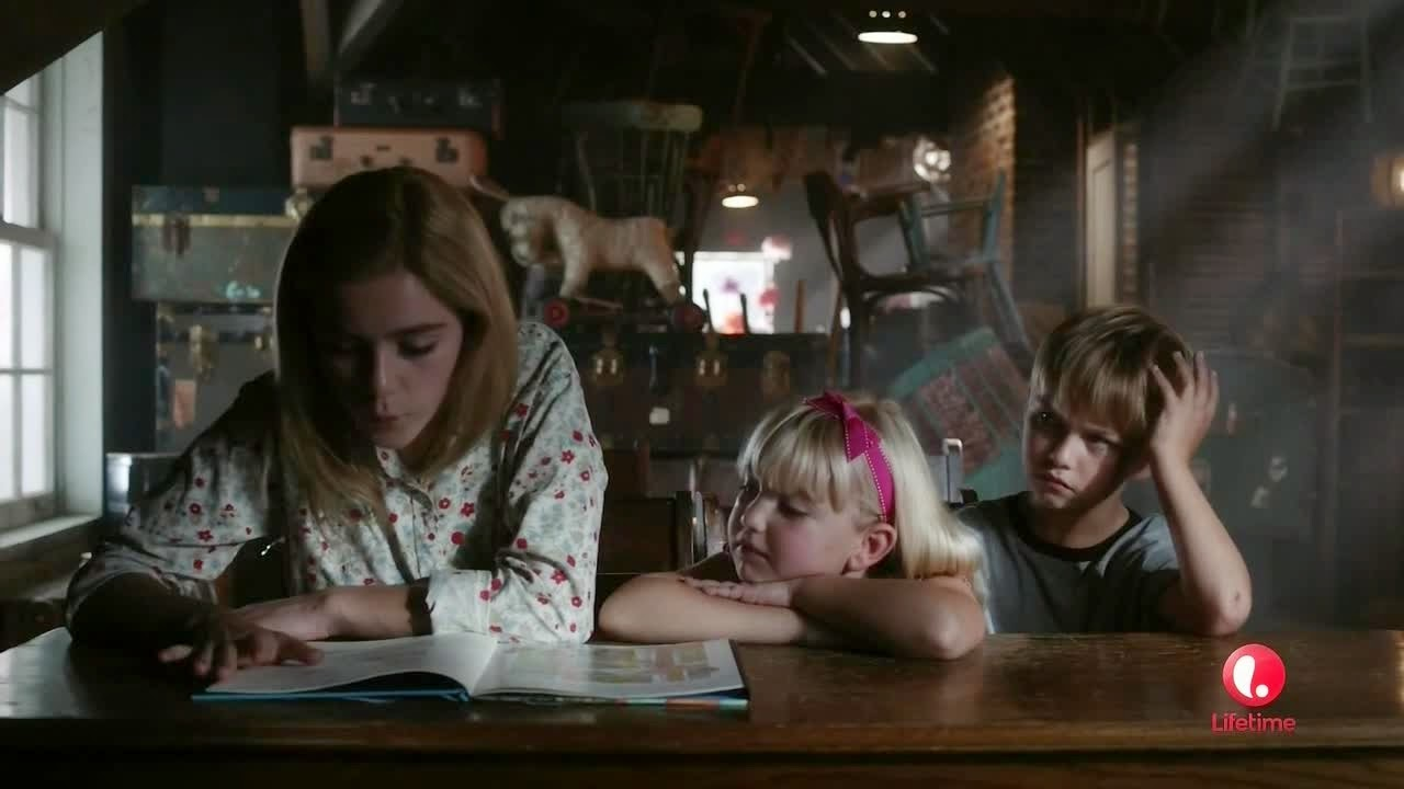 flowers in the attic 2014 kiernan shipka ava telek maxwell kovach