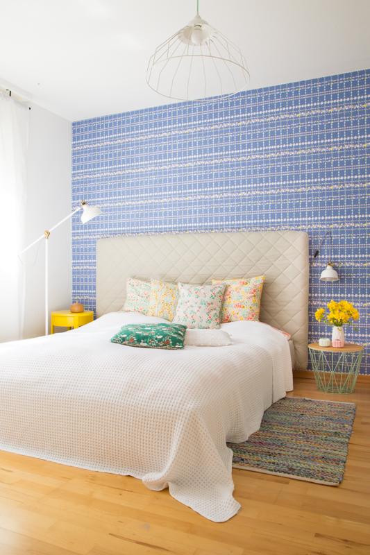 pfefferminzgruen: Neues Schlafzimmer + Tipps für das Einrichten mit farbigen Tapeten