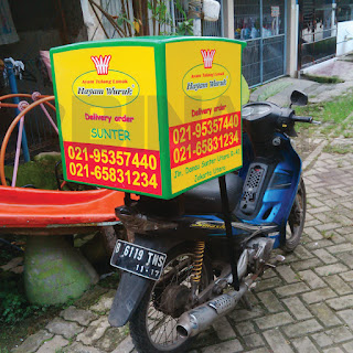 Box delivery motor jogja hayam