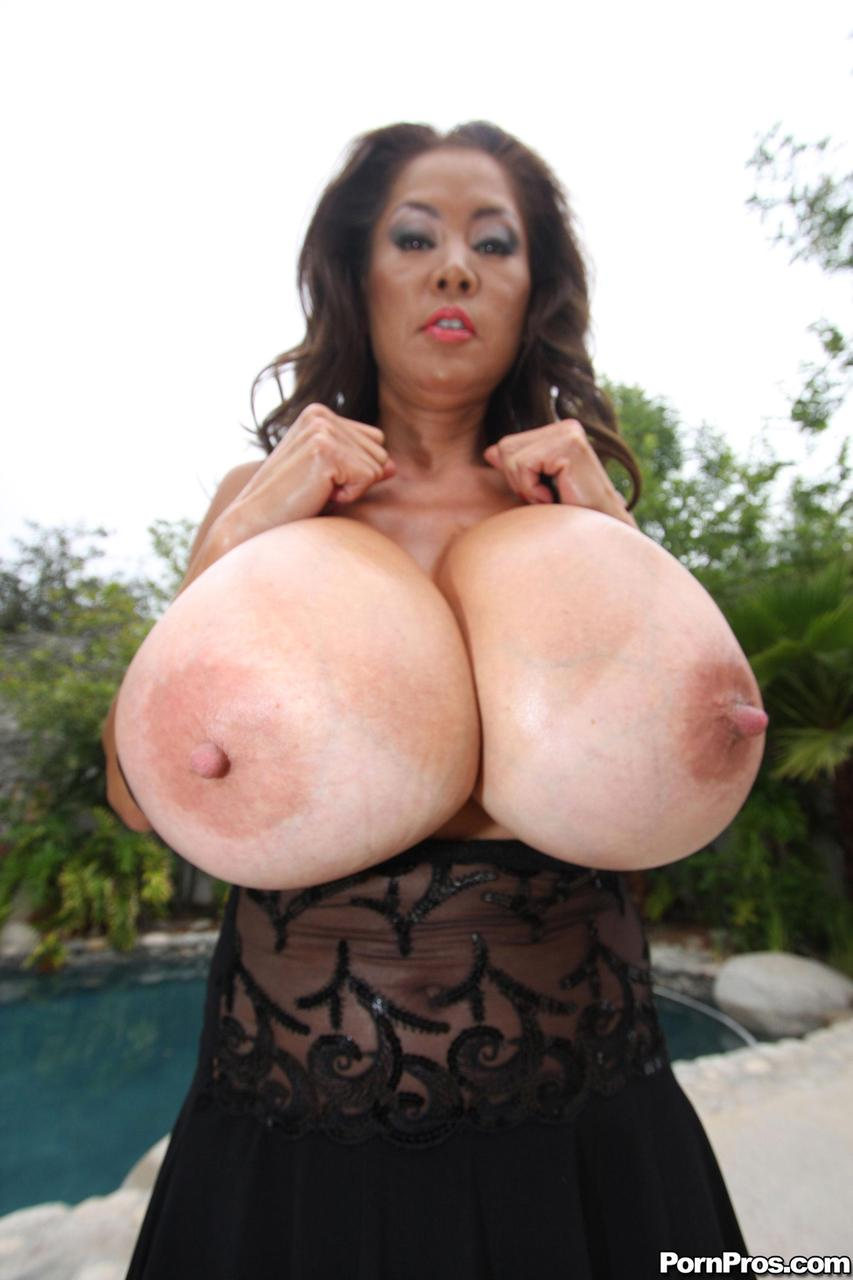 Chinese Huge Boobs