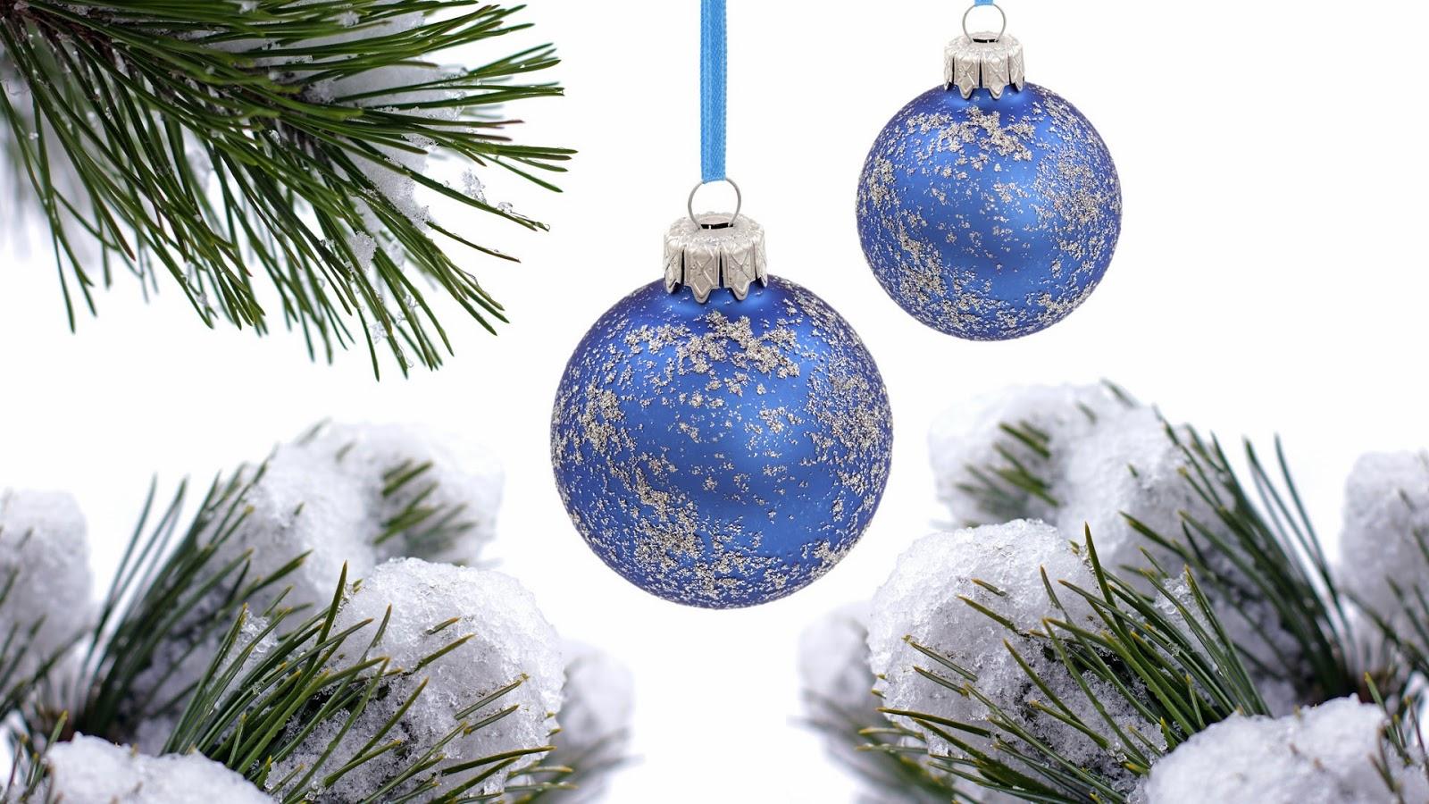 08da144c37512 Wallpapers de Navidad - Feliz Navidad - Esferas navideñas azules con fondo  blanco