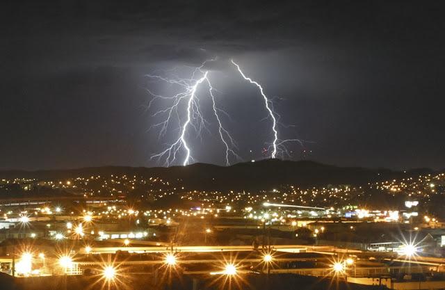 Lightning strike, thunderstorm August 7, 2015