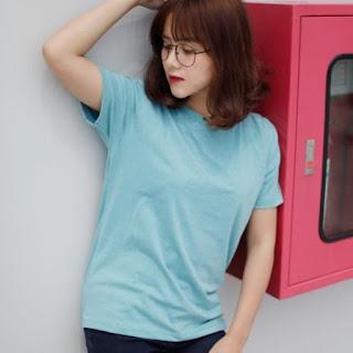 áo phông trơn màu xanh dương lợt