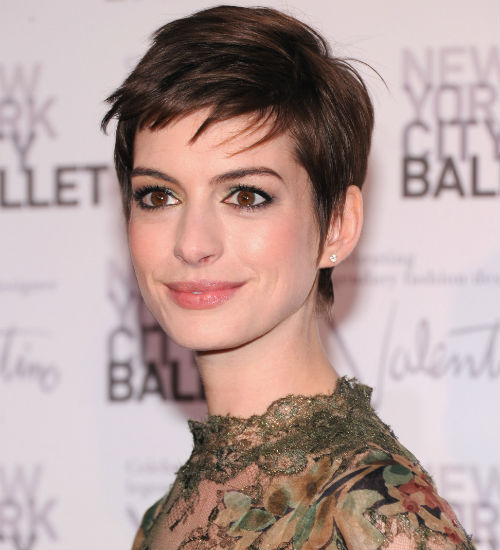 Anne Hathaway Stars As Fantine In: 'Les Miserables' Star Anne Hathaway Received A Calf For A