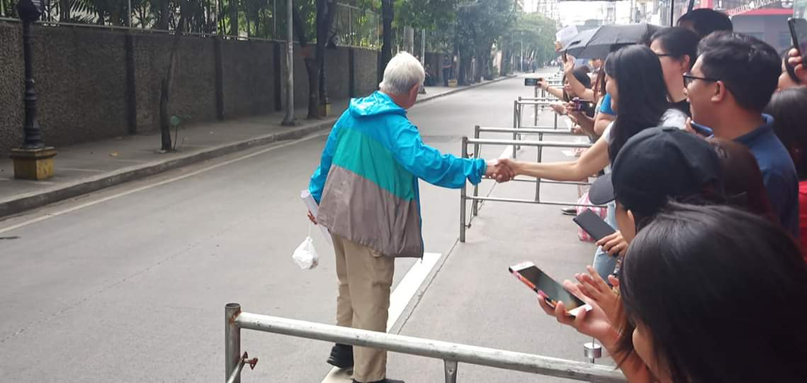87-year-old Bar taker gets cheers, support from crowd after 4-day exam
