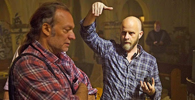 Greg Nicotero e lo showrunner Dave Erickson sul set di Fear The Walking Dead