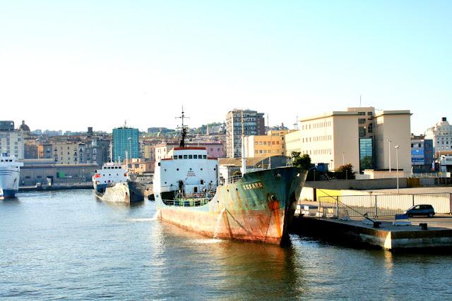 mare, acqua, porto, nave, città, palazzi, Napoli, cielo