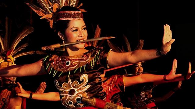 Senjata Tradisional Mandau Suku Dayak Kalimantan