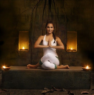 lara dutta hot yoga