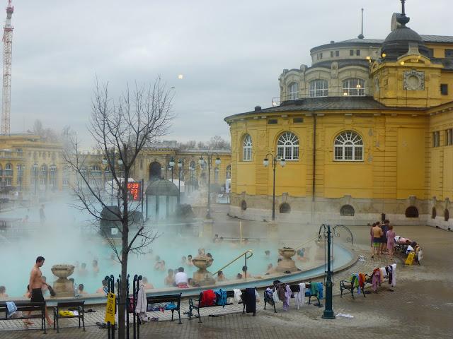 bains Széchenyi Budapest Hongrie