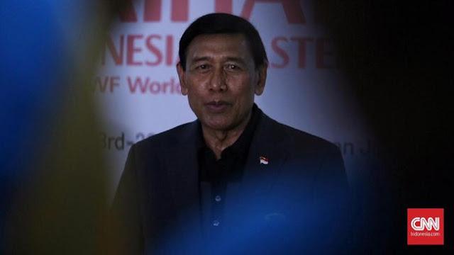 Wiranto Makamkan Cucu di Samping Makam Putrinya