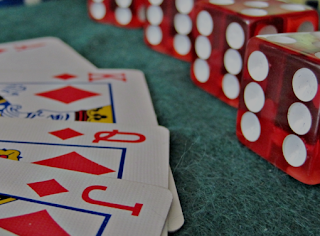 Taking Luck Viral: Internal/External Social Marketing for Businesses Via Games of Chance
