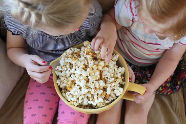 Four ingredient homemade kettle corn - so easy and yummy