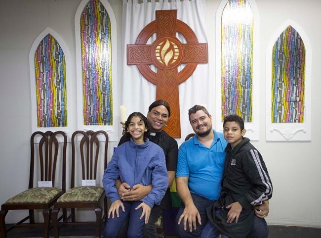 Ana Maria, Alexya, Roberto e Gabriel em um domingo na ICM